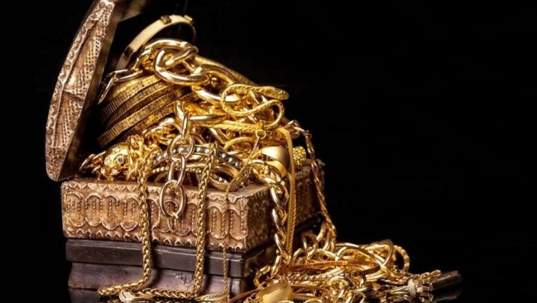 Is Selling Gold Jewelry Profitable?